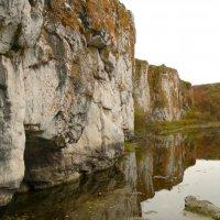 Известковые стены у реки :: Эндже Татарочка