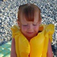 Девочка с медузой :: Анна Мичкова