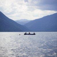 трое в лодке :: Ольга Пивоварова