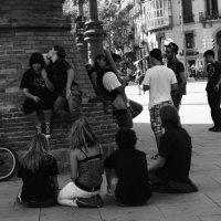 Тусовка около Триумфальной арки. Барселона. :: Татьяна Мухина
