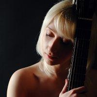 Девушка с гитарой :: Олег HoneyPhoto