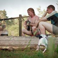 Три мужика и бревно :: Evgeniy Isaev