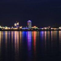Вид на ночной г.ХэйХэ (Китай) с противоположного берега г.Благовещенск :: Даниил Гаврилюк