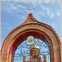 Церковь в селе Бариновка. :: Владимир Клещёв