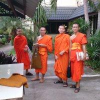 Молодые буддийские монахи :: Владимир Шибинский
