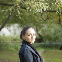 Девушка на мосту :: Евгения Лисина