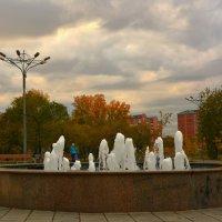 Осенний фонтан :: юрий Амосов