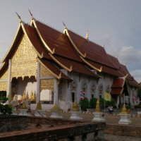 Храм в Чанг Мае :: Владимир Шибинский
