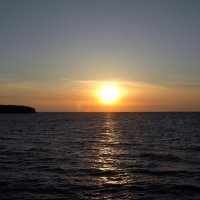 Заход солнца над Ладогой :: Елена Сухенко
