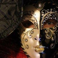 В маске :: Анастасия Аникеева