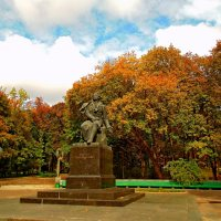 Пушкинский парк (Киев) http://ocls.kyivlibs.org.ua/pushkin/articles/kalnicki_m_pushkin_i_kiev.htm :: Ростислав