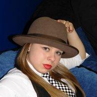Девушка в шляпе :: Ирина Рыкова