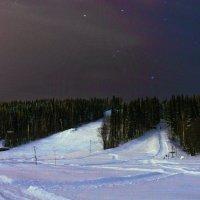 Созвездие Орион над лыжным спуском, очень морозным вечером. Окрестности Ухты. :: Николай Зиновьев