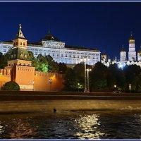 Москва вечерняя. Вид на Кремль с палубы теплохода. :: Лариса Масалкова