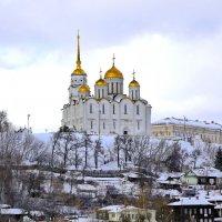 ...парящий над городом ... :: Andrey Bragin