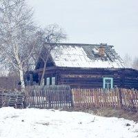 Домик раньше большинство домов были такими. :: Владислав Савченко