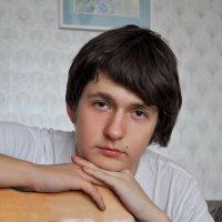 """""""К долгожданной гитаре я тихо прильну, осторожно и бережно трону струну..."""" :: Пётр Четвериков"""