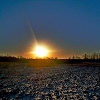 Солнце всходит.... :: Vladimir Semenchukov