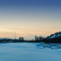 Вид на вечерний город с реки :: Игорь