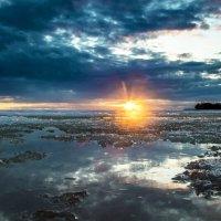 Апрельский закат над Кронштадтом :: Александр Игнатьев