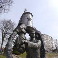 Памятник Маринеско :: Дмитрий Svensson