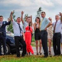 Захмелевшие гости свадьбы :: Анатолий Клепешнёв