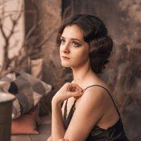 Женщина у окна :: Наталия Розанова