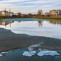 Тает лёд на озере :: Любовь Потеряхина