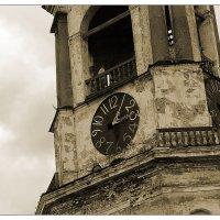 Выборг. Часы на старой башне :: Алексей Трофимов