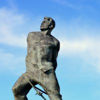 Памятник Мусе Джалилю :: Алёна Алексаткина