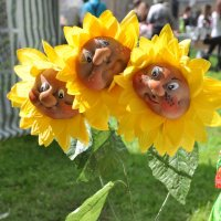 Веселые цветы :: Asya Piskunova