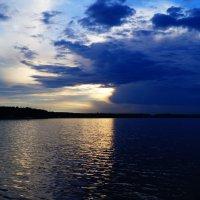 Закат над рекой :: Евгений Галан