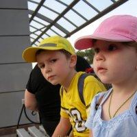 Дети на вокзале :: Евгения Губарева