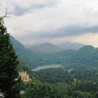 Вид на замок Хоэншвангау и его окрестности :: Ольга Иргит