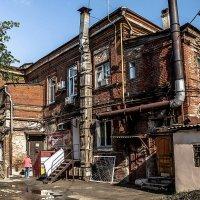 Двор провинциального города :: Константин Бобинский