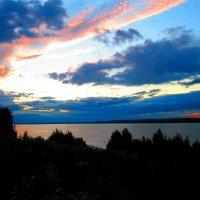 Небо и озеро :: Анастасия Трифонова