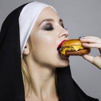Бургер ЗЛО!!! :: Наталья Ремез