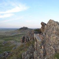 Смотря в дали гор... :: Андрей Хлопонин
