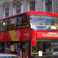 Красный автобус :: Игорь Белоногов