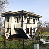 Домик в парке. :: Валерия Комова