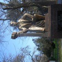 памятник городскому голове Евпатории С.Э. Дувану :: Анна Воробьева