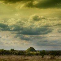 Одинокая гора :: Сергей Шаталов