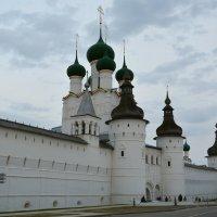 Ростовский кремль.Церковь Иоанна Богослова 1683г.(надвратная) :: Владислав Иопек