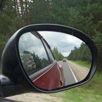 Отражения в зеркале машины :: Galina Solovova
