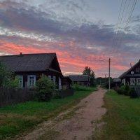 Вечер в деревне :: Юрий Пучков
