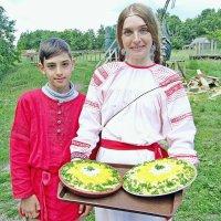 Отведайте еды богатырской :: Raduzka (Надежда Веркина)