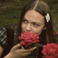 Девушка с розой :: Оксана Шалаева