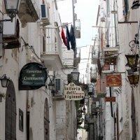 Улочка старого города. Италия, город Вьесте. :: Анастасия Марченко