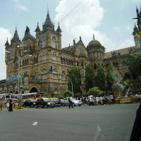 Железнодорожный вокзал  в Мумбаи :: kitab