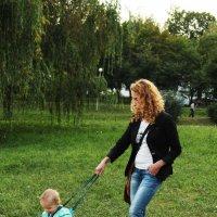 Ребёнок на привязи :: Анна Хотылева